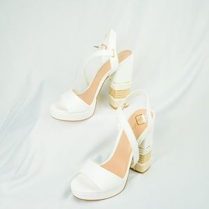 NWOT Aldo Woven white block Heels Size 10
